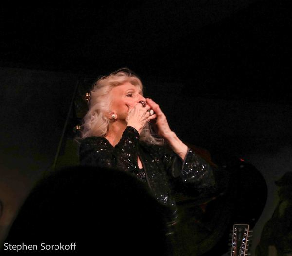 Photo Coverage: Judy Collins Returns To Cafe Carlyle with Special Guest Ari Hest