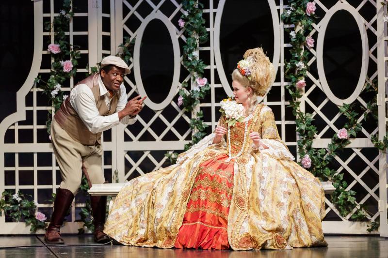 Theatre review  Singin  In The Rain  Buro      sitr singapore splash zone singin in the rain
