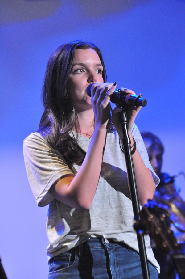 Jennifer Damiano Photo
