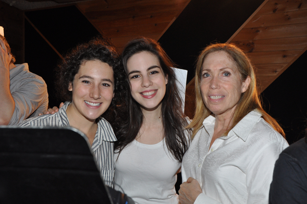 Exclusive Photo Coverage: FIDDLER ON THE ROOF Ushers In Hanukkah with Carols For A Cure
