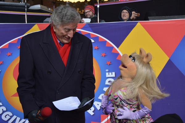 Tony Bennett and Miss Piggy