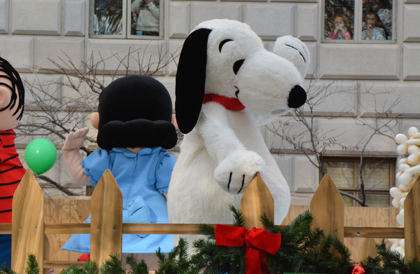 Photo Coverage: Macy's 90th Thanksgiving Day Parade Marches Through NYC!