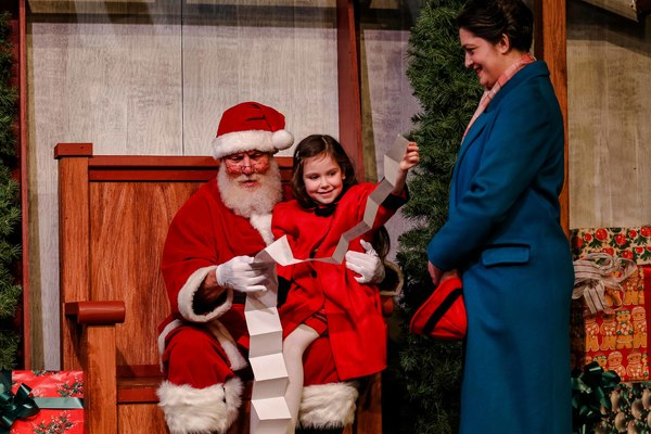 Watch Miracle On 34th Street Online Facebook