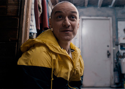 BWW Review: SPLIT is a Tense, Artistic, and Compelling Return to Form for Shyamalan