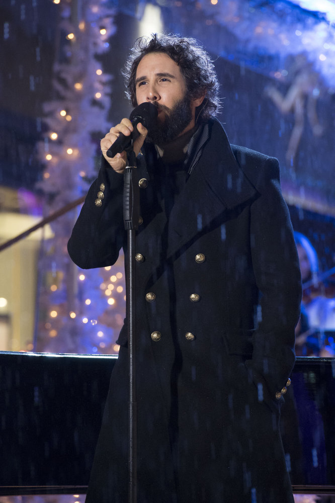 PHOTO: Josh Groban Performs on Tonight's CHRISTMAS IN ROCKEFELLER CENTER on NBC