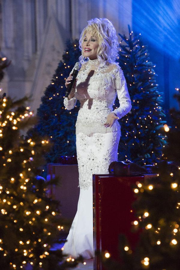 Photo Flash: First Look - Josh Groban, Tony Bennett & More Set for Tonight's CHRISTMAS IN ROCKEFELLER CENTER