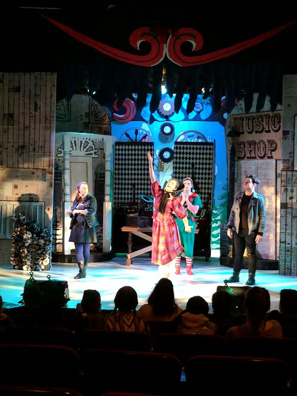 BWW Review: Roxy's THE HAPPY ELF Spins A Jazz-Flavored Tale
