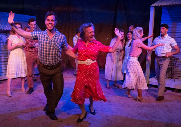 Review   Singin in the Rain  by Cheshire High School Drama