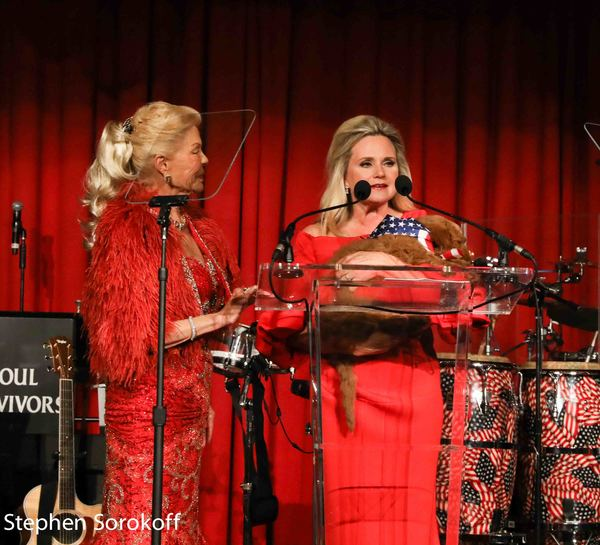 Photo Coverage: Gladys Knight performs at LIFE's 'Lady in Red Gala'