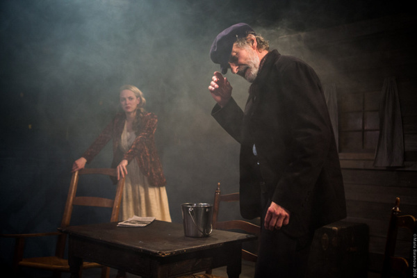 L to R: Therese Plaehn and Stephen D'Ambrose in ANNA CHRISTIE, directed by Peter Richards. Photo by Maria Baranova.