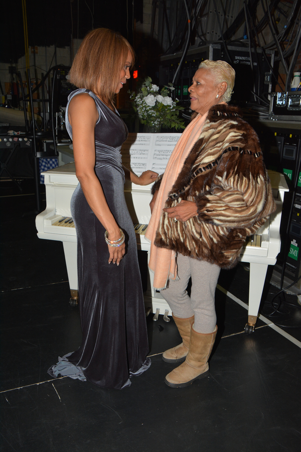 Photo Coverage: Dionne Warwick Stops by THE BODYGUARD