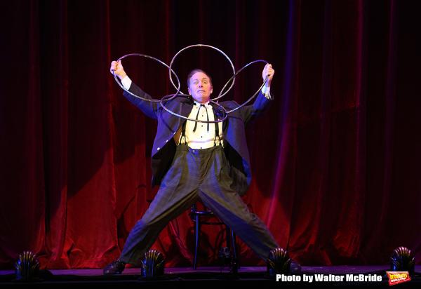 BWW Interview- Charlie Frye (aka 'The Eccentric') Talks Broadway's THE ILLUSIONISTS