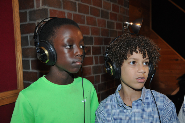 Exclusive Photo Coverage: SCHOOL OF ROCK Spreads Holiday Spirit for Carols For A Cure