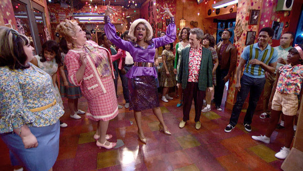 HAIRSPRAY LIVE! -- Pictured: (l-r) Maddie Baillio as Tracy Turnblad, Harvey Fierstein as Edna Turnblad, Jennifer Hudson as Motormouth Maybelle, Martin Short as Wilbur Turnblad, Ephraim Sykes as Seaweed J. Stubbs, Shahadi Wright Joseph as Little Inez -- (P
