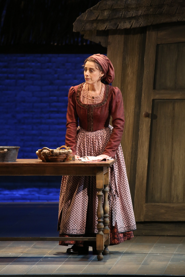 Photo Flash First Look At Judy Kuhn As Golde In Fiddler