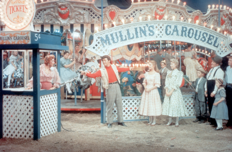 Rodgers & Hammerstein's CAROUSEL Returns to Theaters Nationwide This January