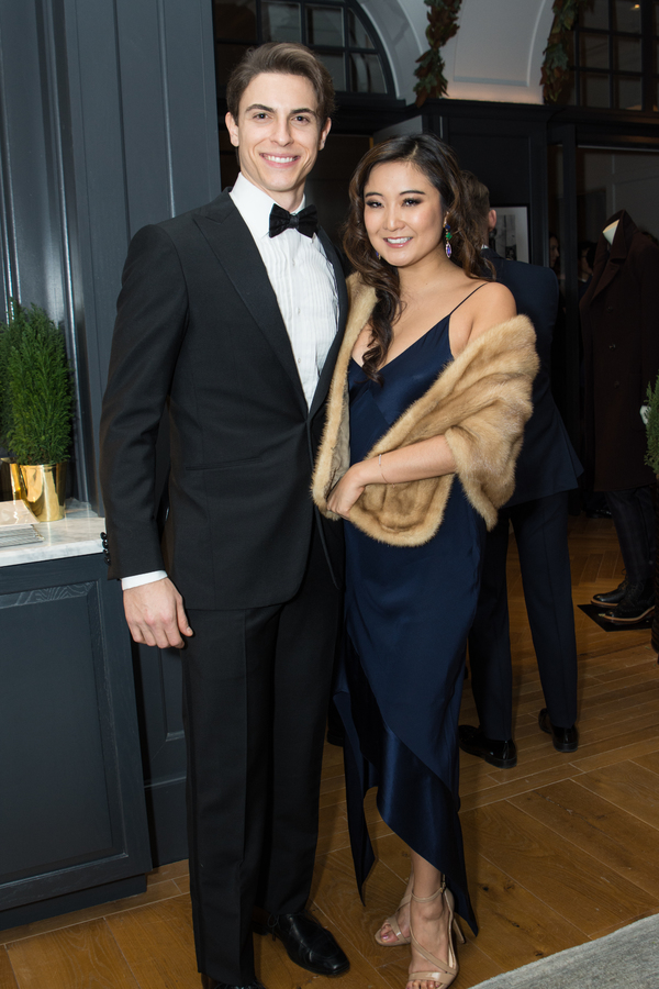 Photos: Jenna Ushkowitz, Max von Essen, Laura Osnes and More Attend Broadway Style Guide's 2016 Holiday Soiree