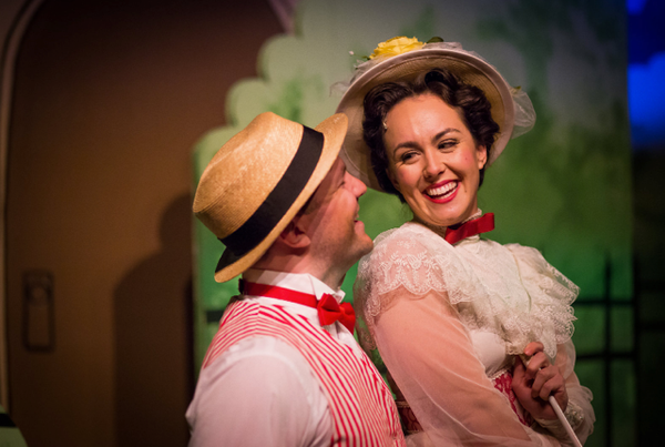 BWW Review: MARY POPPINS Drops in for a Merry Holiday Treat Thru Dec 23