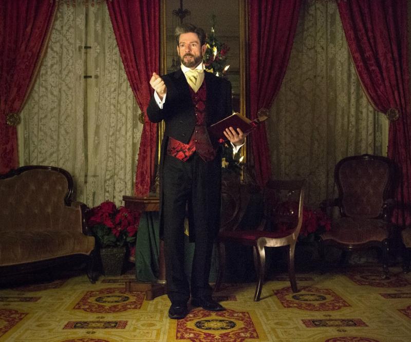 BWW Review: John Kevin Jones Delightfully Re-creates Charles Dickens' Readings of A CHRISTMAS CAROL