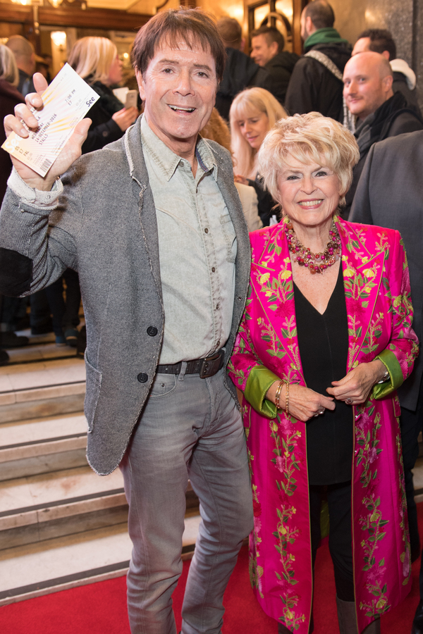 Cliff Richard and Gloria Hunniford Photo