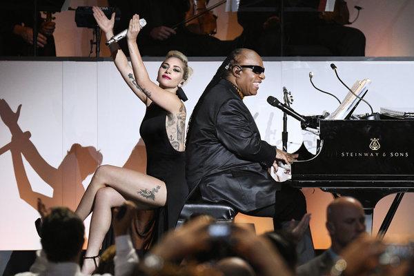Photo Flash: First Look -  Leslie Odom Jr, Lady Gaga & More Perform on NBC's TONY BENNETT CELEBRATES 90