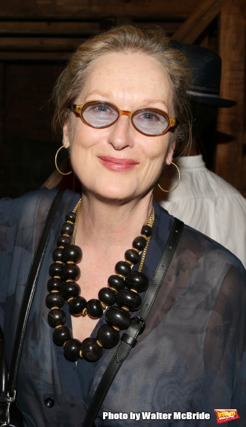 Meryl Streep Performs Carrie Fisher's Favorite Song at Intimate Memorial