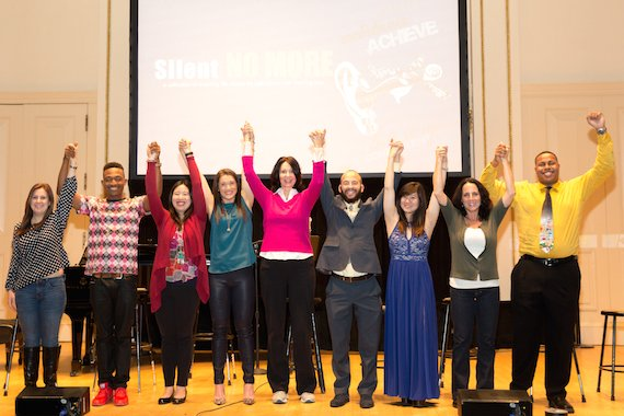 BWW Review: Nine Brilliant Voices Tell Stories of Hearing Lost And Dreams Found in SILENT NO MORE