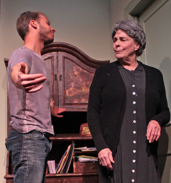 Photos: Gently Comic Drama 4000 MILES Takes to the Stage