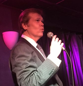 BWW Review: Alex Leonard Celebrates Nat King Cole with L-O-V-E at Pangea