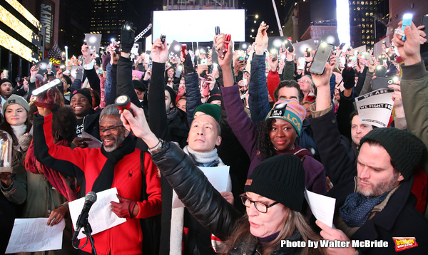Photos: On Inauguration Eve, Broadway Unites to Take a Pledge for the Ghostlight Project