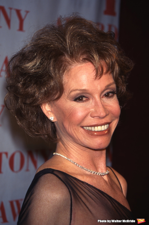 Mary Tyler Moore attends the Tony Awards at Radio City Music Hall on June 1, 1997 in New York City.
