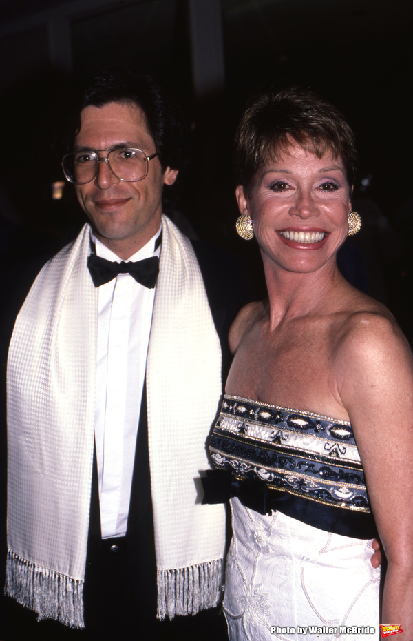 Mary Tyler Moore with Dr. Robert Levine on May 1, 1988 in New York City.