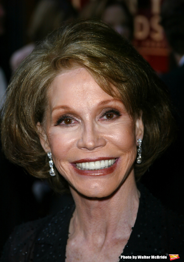 Mary Tyler Moore  The 56th Annual Tony Awards Radio City Music Hall New York City June 2, 2002  © Walter McBride /  Ltd, USA