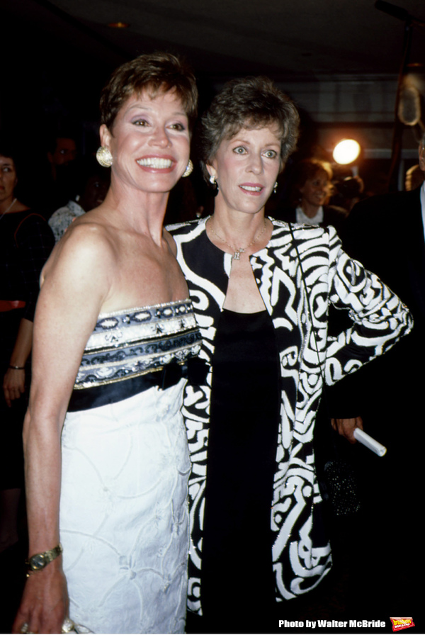 Mary Tyler Moore and Carol Burnett on June 1, 1988 in New York City.