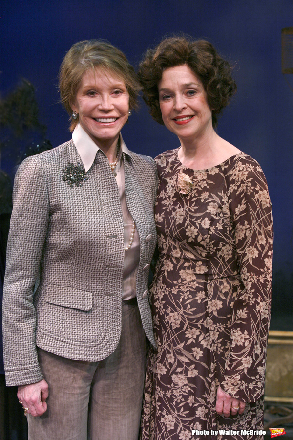 """***EXCLUSIVE COVERAGE*** Mary Tyler Moore visits the cast of """"Enter Laughing"""" at the York Theatre Company in New York City. February 26, 2009 pictured: Mary Tyler Moore & Jill Eikenberry"""