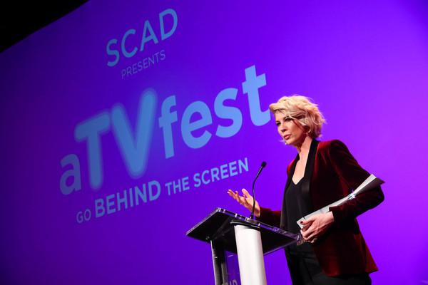 ATLANTA, GA - FEBRUARY 03:  Actress Jenna Elfman speaks at the 'Spotlight Award Prese Photo