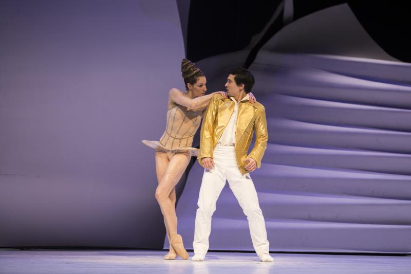 BWW Review: Pacific Northwest Ballet Offers Valentine to Seattle with CENDRILLON