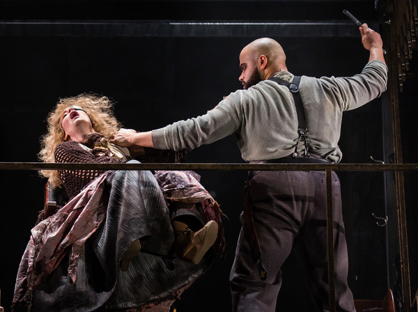 Photo Flash: Paramount Theatre's Bold New Production of SWEENEY TODD