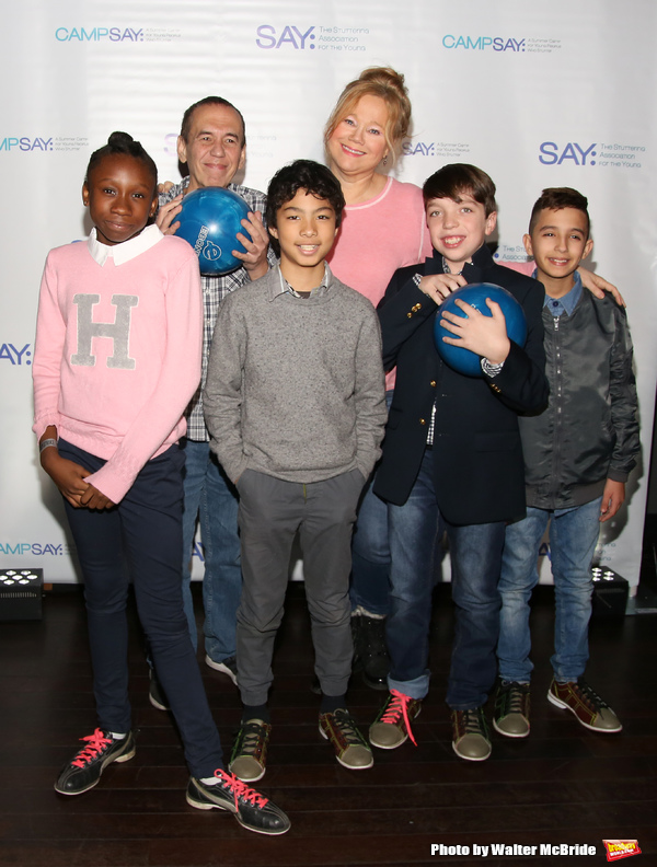 Gilbert Gottfried and Caroline Rhea with the (SAY) kids