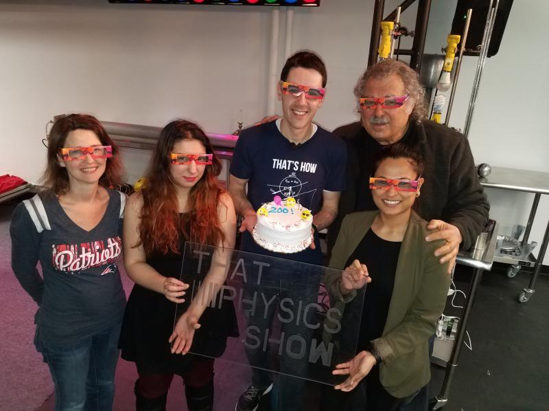 THAT PHYSICS SHOW Marks 200th Performance Off-Broadway