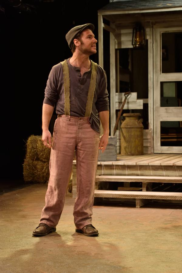 Michael Hinton as Mike Hogan Photo