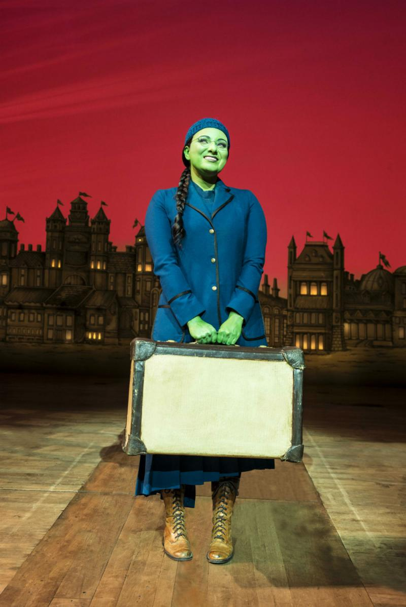 BWW Review: WICKED is a Concoction of Memorable Music, Visual Treat