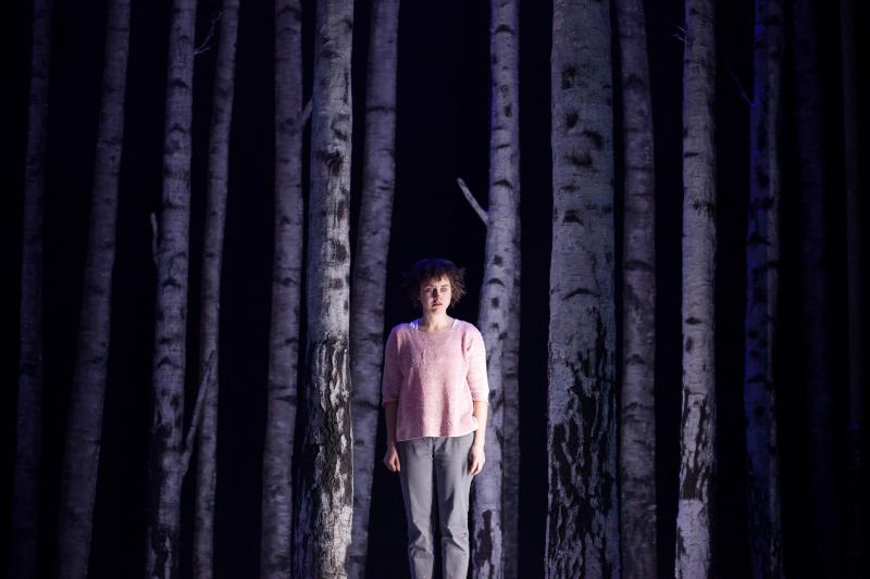 BWW Review: LET THE RIGHT ONE IN a Frightening, Captivating Good Time