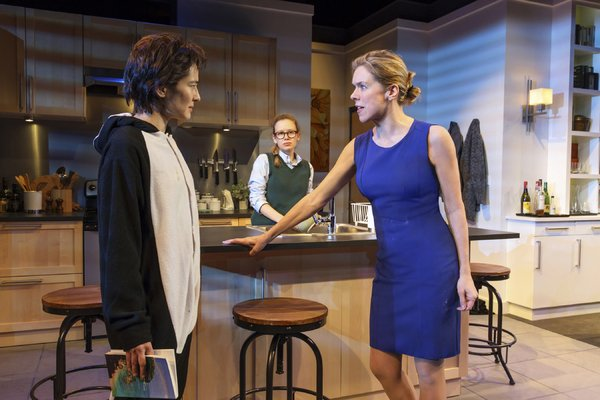 BWW Review:  Janie Dee Makes a Smashing Return To New York as Feminist Fighter LINDA