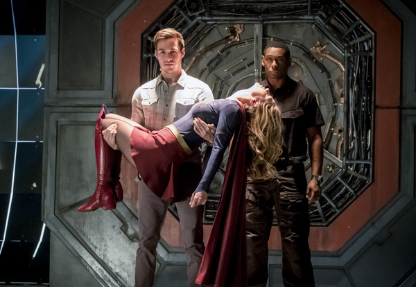 Pictured (L-R): Chris Wood as Mike, Melissa Benoist as Kara/Supergirl and David Harew Photo