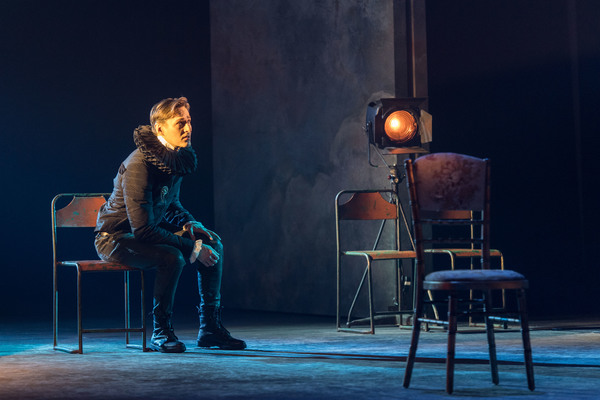 Photo Flash: ROSENCRANTZ AND GUILDENSTERN ARE DEAD Returns Starring Daniel Radcliffe and Joshua McGuire