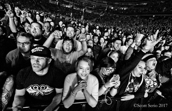 Photo Exclusive: GREEN DAY IN CONCERT at Verizon Center