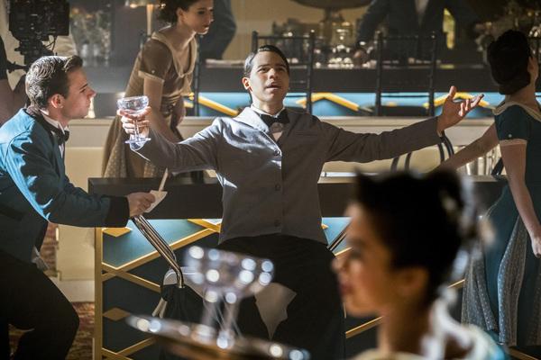 Pictured: Carlos Valdes as Cisco Ramon -- Photo: Jack Rowand/The CW Photo