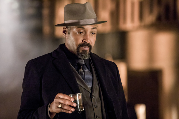 Pictured: Jesse L. Martin as Detective Joe West -- Photo: Jack Rowand/The CW
