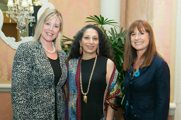 Photo Flash Culture Tails At The Colony Welcomes 100 Guests For Talk By Jewelry Designer Coomi